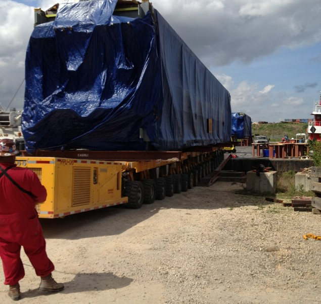 Q_Air Freight Forwarding_Barge offloading (14)